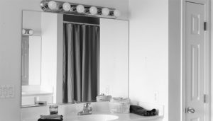 remove-bathroom-mirror-101987867-sq